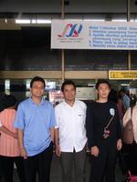 Saya, Abe dan Ananda di Bandara Polonia